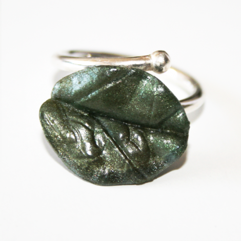Anillo Magic Leaves- silvery green