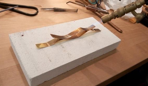 fabricación a mano